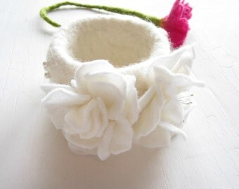 Felted Bangle,