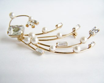 Vintage Jewelry Crystal and Cultured Pearl Spray Brooch gold plated Pressed Glass Crystals 1960s Fashion Brooch Light and Lovely