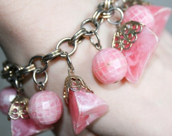Chunky Pink Plastic Beaded Dangle Bracelet