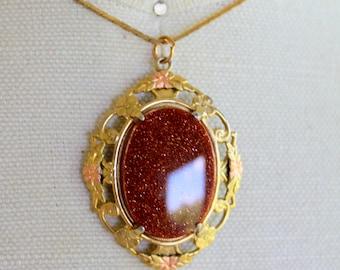 Vintage Necklace GOLDSTONE Pendant Gold Tone Chain