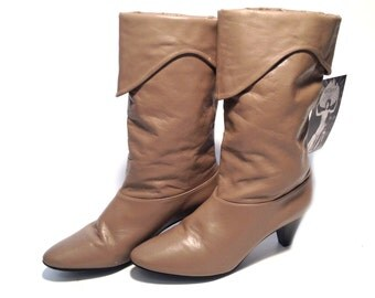 Vintage Boots Tan Leather Boots Womens Boots Size 5.5 Slouchy Boots Southwestern Boots Tan Boots High Heeled Boots Cowgirl Boots