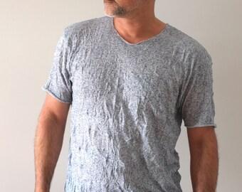 Men's t-shirt. Mens Blue tshirt. Crush look. Minimalist mens fashion clothing.