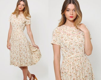 Vintage 50s Cream FLORAL Day Dress PAISLEY Floral Dress Short Sleeve Pleated Rockabilly Fit and Flare Dress