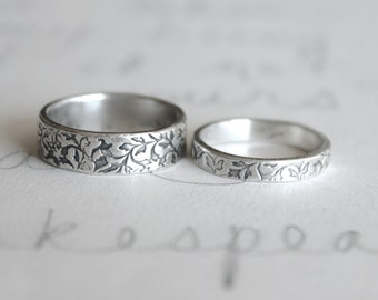 wedding band ring set . vine leaf wedding rings bands . handmade silver wedding ring set . engraved wedding rings by peacesofindigo