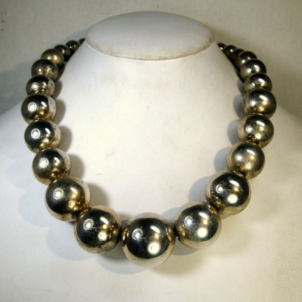 graduated large silver bead necklace lisner classic