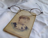 Antique 1870s Spectacles 1800s Eyeglasses Eye Wear Victorian Dress Photo cdv Carte de visite Vista Picture Civil War Woman Girl Lady Image