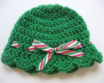 Crochet Green Christmas Baby Girl Hat - Ready To Ship - Size 0 to 3 Months - Christmas Newborn Baby Girl Hat - Christmas Photo Prop Hat