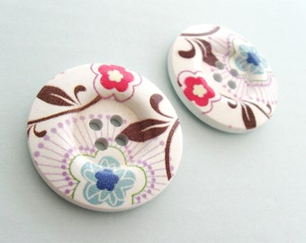 1.5 inch buttons - Cottage flower wooden sewing buttons - set of 2
