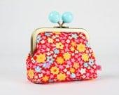 Metal frame coin purse with color bobble - Fleur d'oranger rouge - Color dad / Petit Pan french fabric / Orange blossom / Neon pink orange