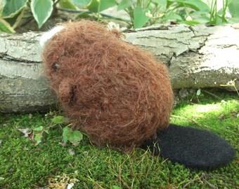 Beaver plush, beaver stuffed animal toy, woodland nursery decor, knit and felted beaver toy, woodland stuffed animal, made to order