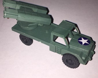 1960s MISSILE Truck for 52mm Army Men - with pivot action