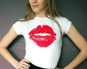 Screen Printed White With Red Lips Valentines Love Kiss Lipstick T Shirt SMALL MEDIUM LARGE