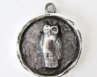 Antiqued Silver Ox Owl Medallion Charm Bird Pendant Pewter Drop Nunn Design 24mm chm0371 (1)