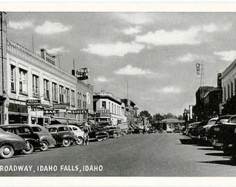 Vintage Idaho Postcard - Broadway, Idaho Falls (Unused)