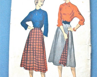 ON SALE  50s Advance 5624 Blouse and Skirt Vintage Sewing Pattern  Bust 32 inches