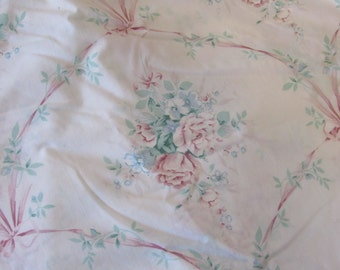 Floral and Feminine Twin Bedsheet/Poly/Cotton/Bedding/ J C Penneys/Reclaimed Fabric
