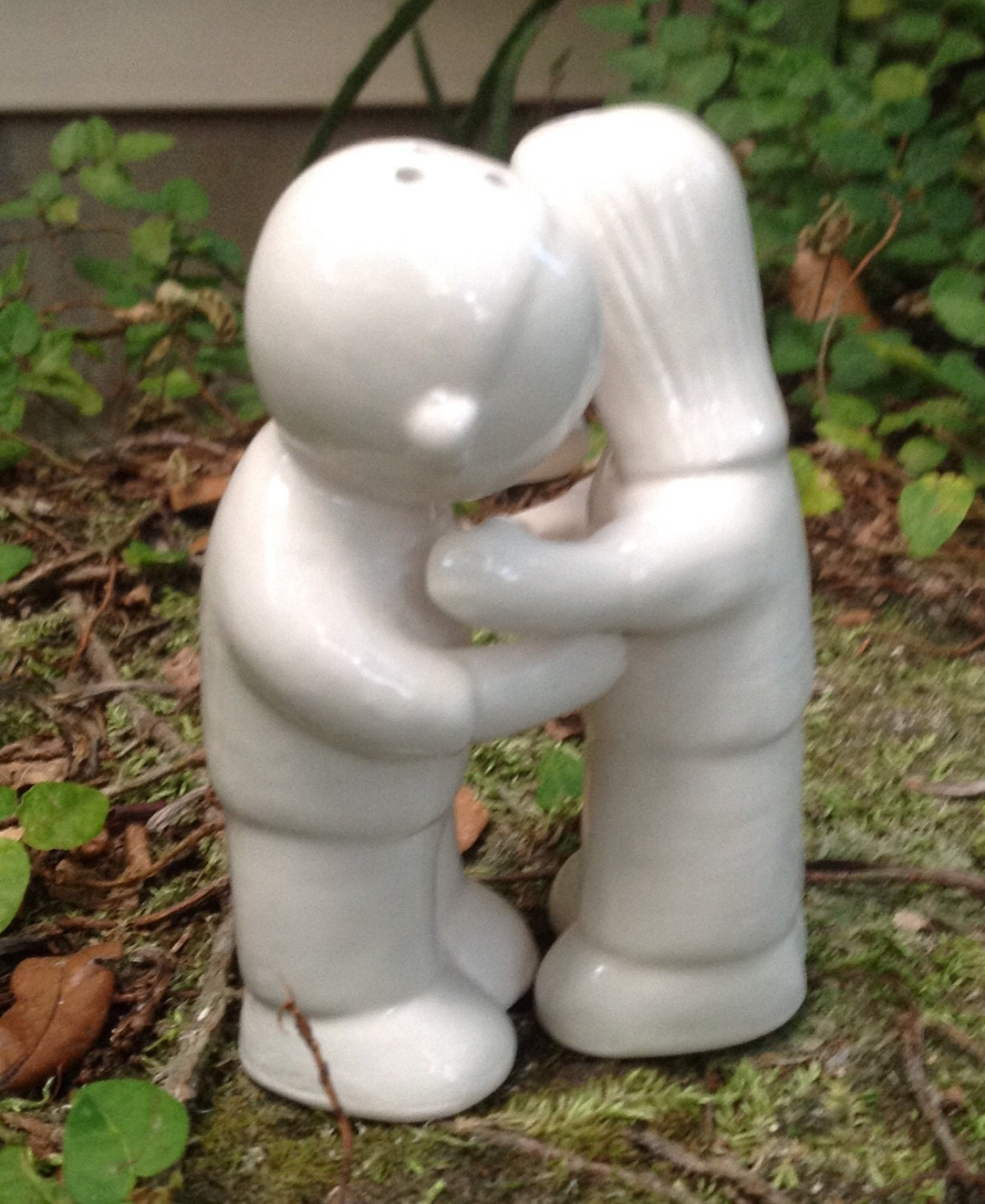 Salt and pepper shaker hugging couple white kitchen by muddyme - Hugging salt and pepper shakers ...