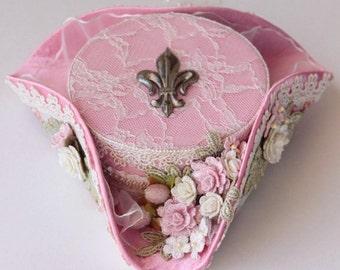 Pink mini tricorn