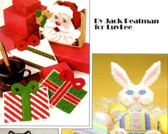 Holiday Coaster Sets in Plastic Canvas Santa Presents Easter Eggs Black Cat Needlepoint Embroidery Craft Pattern Leaflet Leisure Arts 1285
