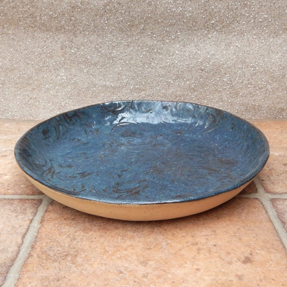 Serving dish plate in textured stoneware ceramic pottery