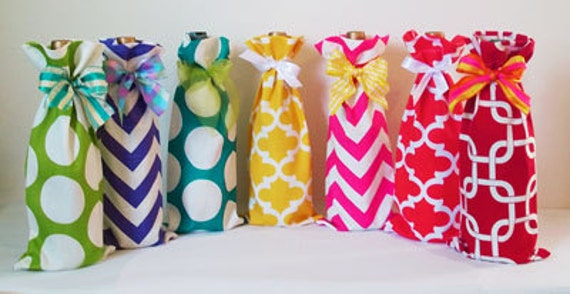 Baby Shower Hostess Gifts, 2 Wine Bags, Wine Sack, Wine Caddy, Baby Shower, Hostess Gift, Housewarming Gift, Party Favors