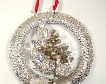 Beautiful Vintage Wreath Christmas Ornament, Holiday Decor, Mid Century Retro Decoration, Silver Metallic, Mercury Beads  (227-15)