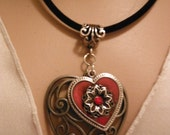 Gorgeous Heart Necklace--Stunning Gift--Hard Find--Low Price--FREE Gift Wrap