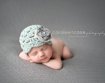 NEW ITEM!! Flapper Hat in Mint with detachable Rosette