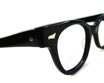Vintage Mens Tart Optical Black Horned Rim Eyeglasses Frames oTe