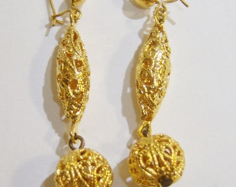 vintage gold tone dangle and drop pierced filigree earrings 515D