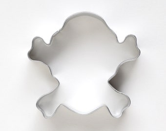 Skull and Crossbones Cookie Cutter, Pirate Birthday Party, Halloween Cookie Cutter