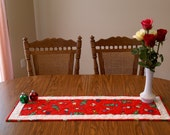 Snoopy, Charlie Brown, Peanuts Christmas Holiday Table Runner