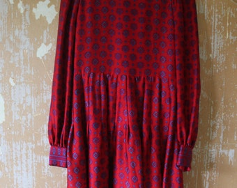 vintage.  Early 60s Indian Red Silk Dress  // Hand Woven Rare Indian Silk // S