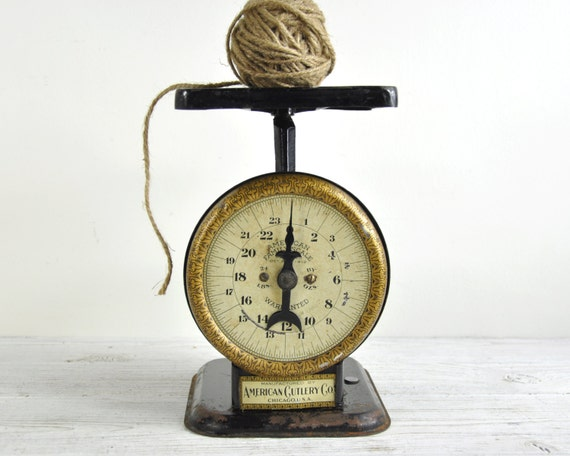 Antique scale vintage kitchen scale rustic decor industrial for Rustic kitchen scale