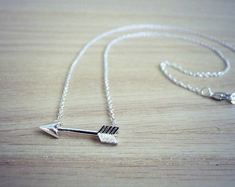 Gold arrow necklace, minimalist jewelry, silver arrow necklace, geometric necklace, silver pendant, delicate necklace, gift for her
