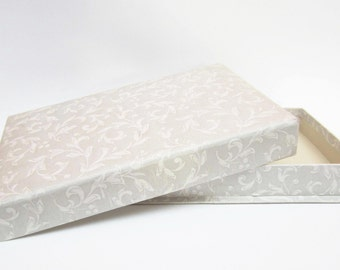 French vintage CARDBOARD BOX⎮floral paper covered⎮treasury jewelry stationery box⎮shabby chic