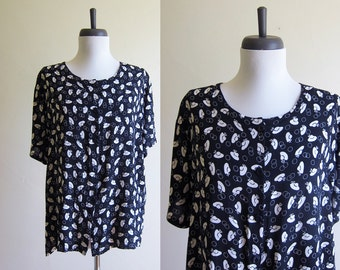 Vintage 1990s Rayon Blouse / HAT PRINT Novelty Boxy Top / Size Large or XL