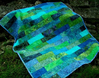 modern quilts, wallhanging, sofa throw, baby quilt, contemporary quilt, table topper