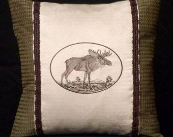 New Embroidered Green & Brown Majestic Moose Pillow New 14 x 14 — Item 160