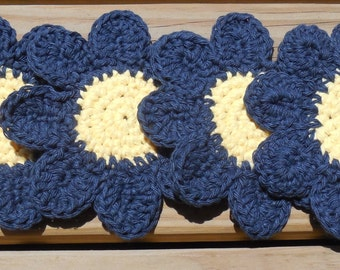 Blue Daisy Drink Coasters, Crochet Cotton Coasters, Summer Party Decorations, Garden Decor, Flower Coasters, Tablescapes, Set of 4