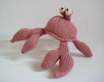 Pinky the Crab toy knitting pattern
