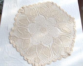 "Vintage Doily 26"" Round Off White Hand Crochet Pretty Dove Bird Design Ecru Antique White"