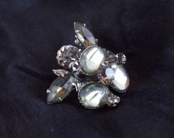 Vintage Gray Stone Silvertone Brooch //516