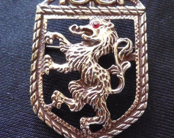 Signed Vintage Rampart Lion On Shield Heraldry Brooch - SC -