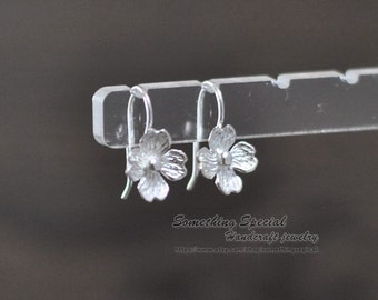 Flower earrings Sterling silver flower earrings Lovely silver flower dangle drop earrings Dainty Bridal everyday jewelry Gift for her