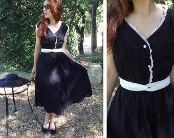 French 50s Vintage black and white crochet lace pin up full circle dress