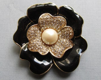 Carolee Vintage Black Gold Enamel Flower Brooch Rhinestone Faux Pearl Pin