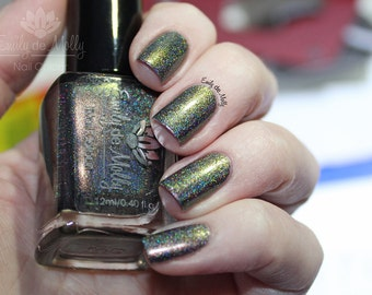 """Nail polish - """"Terra Firma"""" Brown to green duochrome linear holographic"""