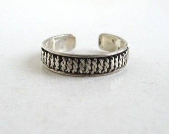 925 Sterling Silver Toe Ring - Vintage Barbed Wire Texture