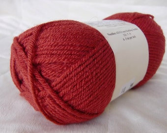 Universal Yarn Classic Worsted, worsted weight yarn, Baked Apple color